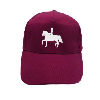 Czapka z daszkiem z nadrukiem konia, bordowa, wzór dresaż