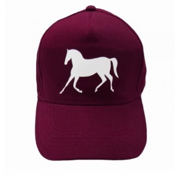 Czapka z daszkiem z nadrukiem konia, bordowa, wzór koń w kłusie